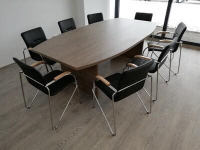 Masa consiliu pentru 8 persoane