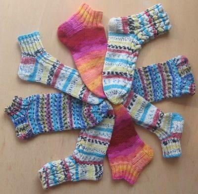 Socken & Stulpen handgestrickt