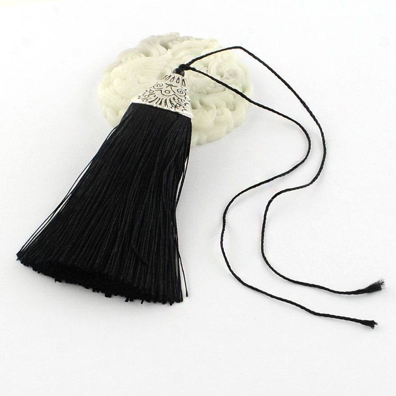 Black Tassel with silver cap   80x20x11mm