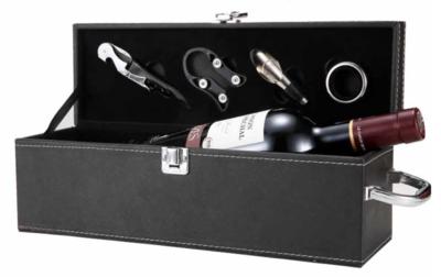 Vyno butelio dėžė su įrankiais