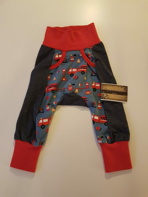 Bukse med lomme og brannbiler str 74