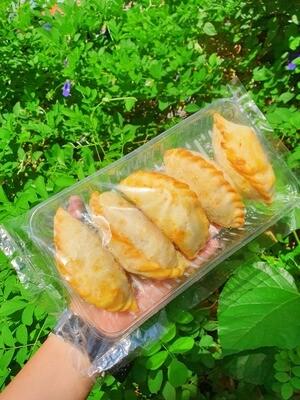 番薯马铃薯鸡蛋咖喱角 Homemade Potatoes Curry Puff - 5pcs