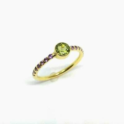 Ring aus 750er Gelbgold 18K mit Turmalin und Amethyste