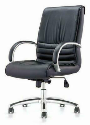 Medium Major Chair with wheels (Black)