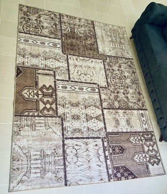 Prima Brown Patch Rug 200 x 290 cm (6.6 x 9.5 ft)