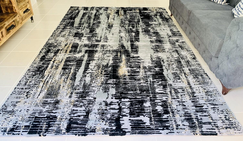 Maram Black Rug (Multiple sizes)