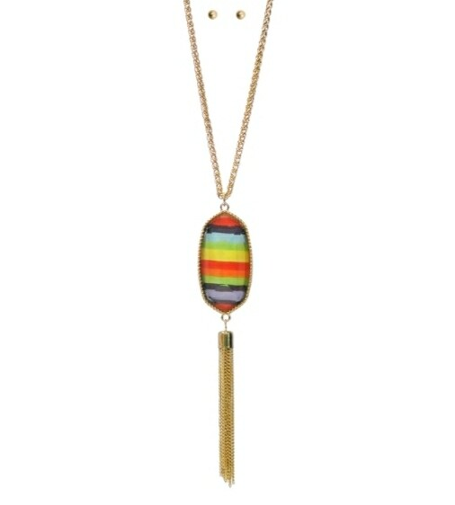 Gold Necklace With Aztec Pendant & Studs