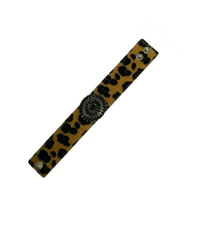 Leopard Bracelet With Black Pendant
