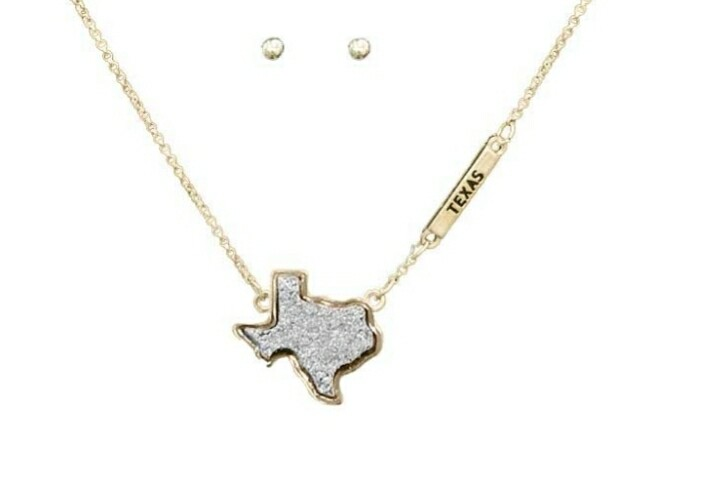 Silver Texas Necklace With Studs