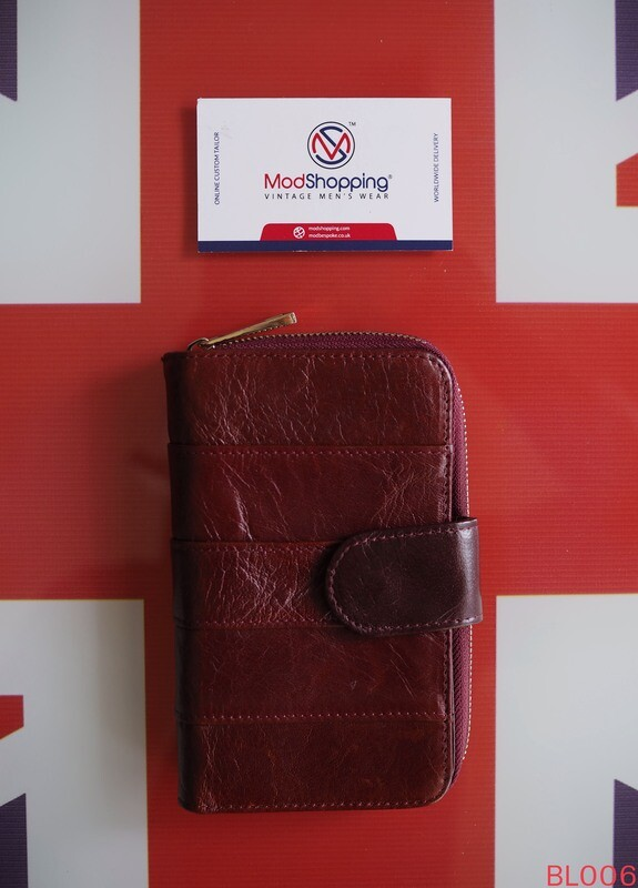 Burgundy Short Leather Wallet Compact And Comfortable To Hold