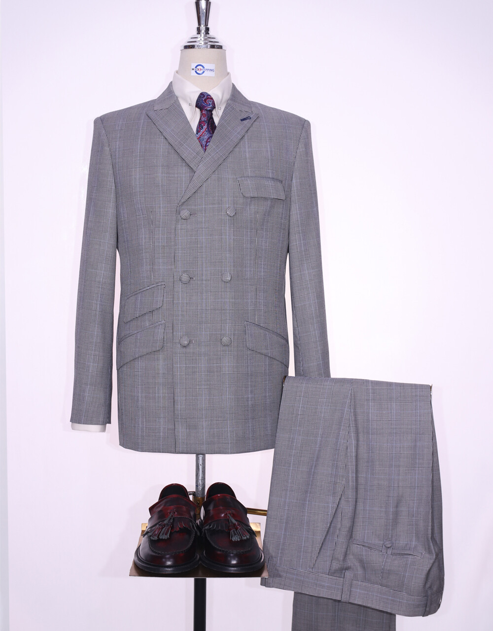 Double Breasted Suit   Grey Prince Of Wales Check  Suit 60s Style