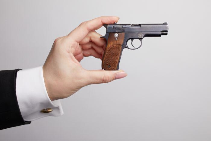 Миниатюрная модель оружия пистолет S&W (М 1:2)