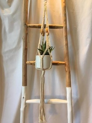 Single Pot Macrame Hanger