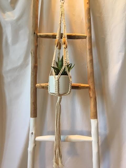 Single Pot Macrame Hanger