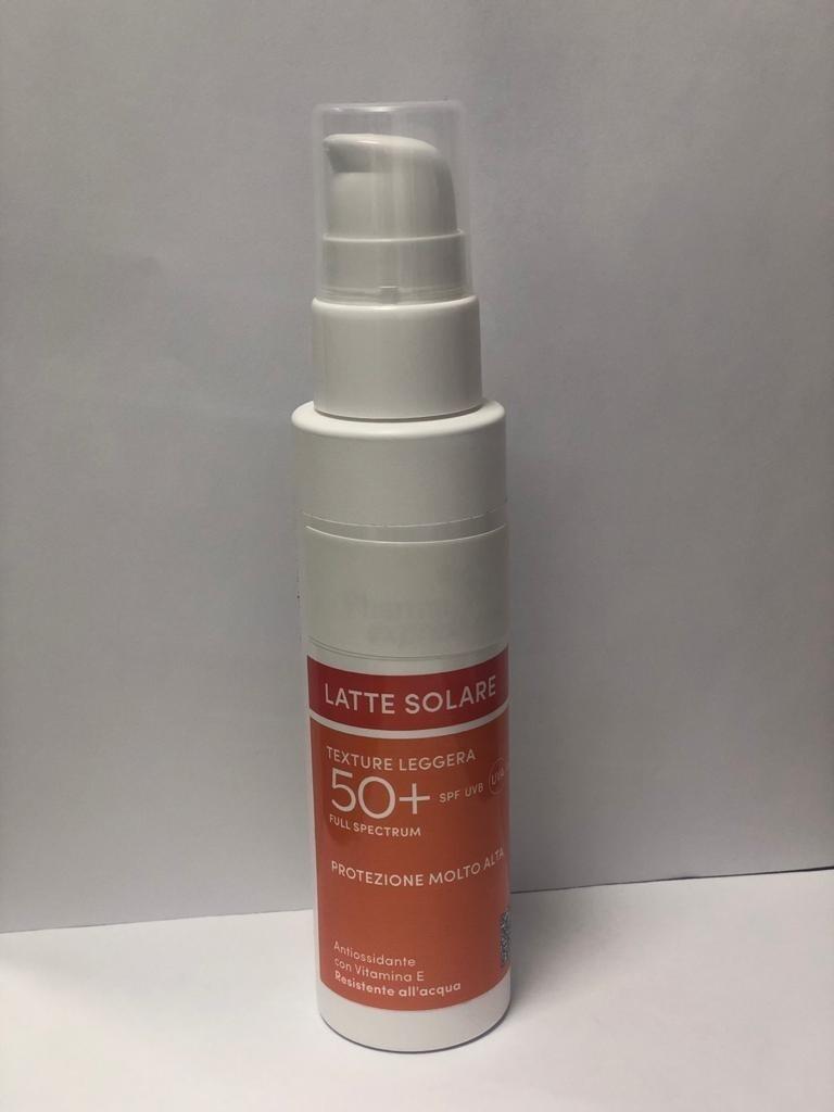 PHARMANTICA latte protezione solare 50+ spray 100 ml