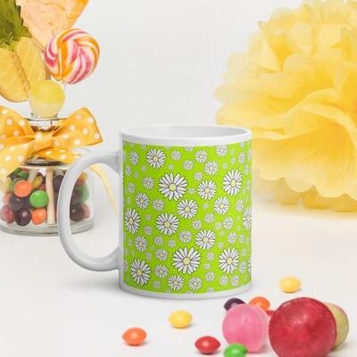 White glossy mug Daisy Chain in Frog Green