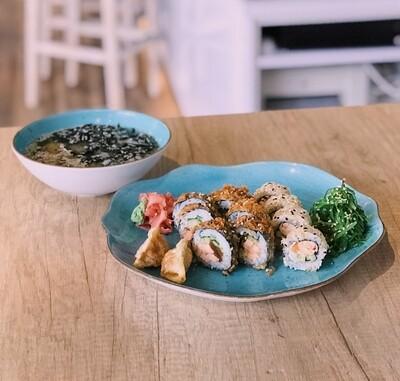 BIG TOKYO MISO ŁOSOŚ 10 szt. sushi + zupa + sałatka + 2 szt. gyoza