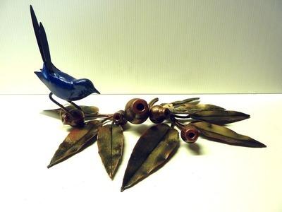Marri Desk Set (8 leaf) with blue wren, single pen