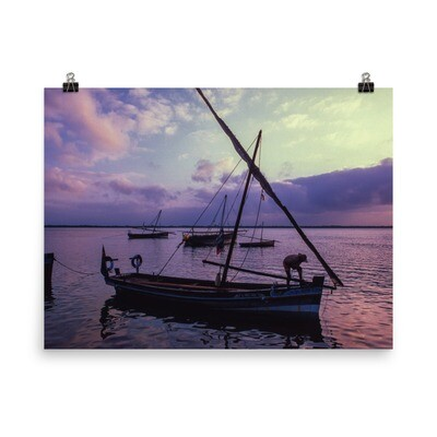 Dhow at sunrise Poster