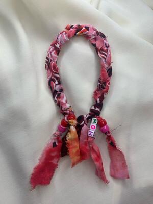 Cavigliera treccia rossa e rosa personalizzabile
