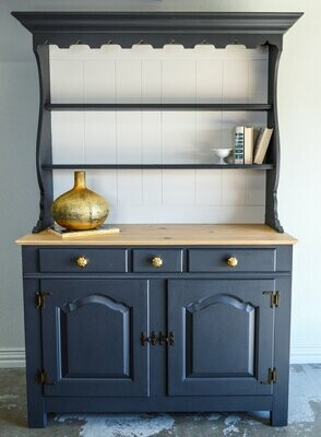 Open Top China Hutch