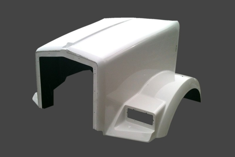 Aero Curved Glass Hood for Kenworth T800