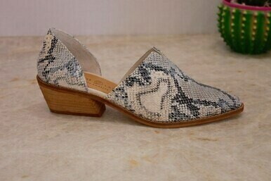 Chinese Laundry BMWQOSUND Matcha Sunbleach Shoe