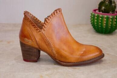 Bedstu F393009 Carla short Boot
