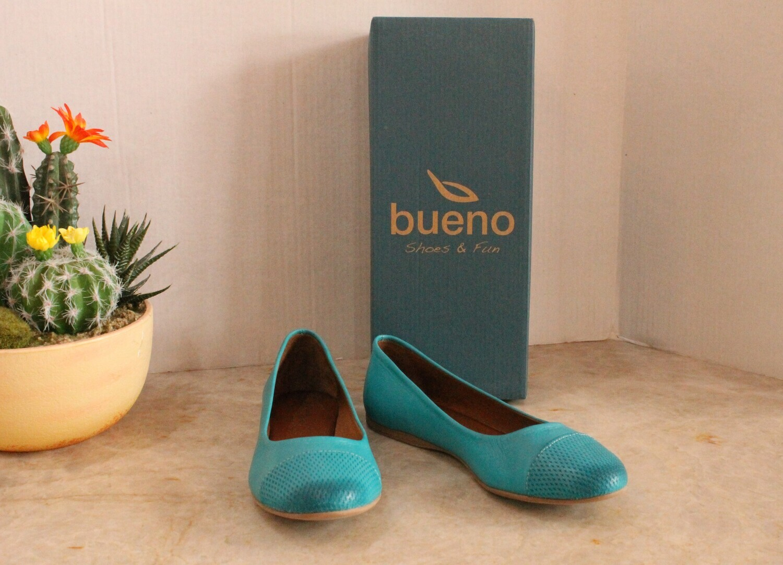 Bueno B2044 Kap Flat Slip On Shoe