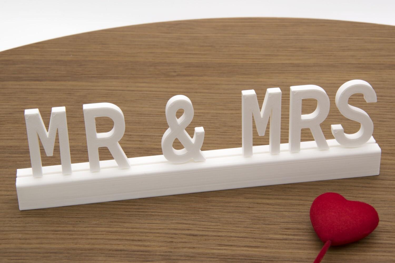 """Mr & Mrs"""