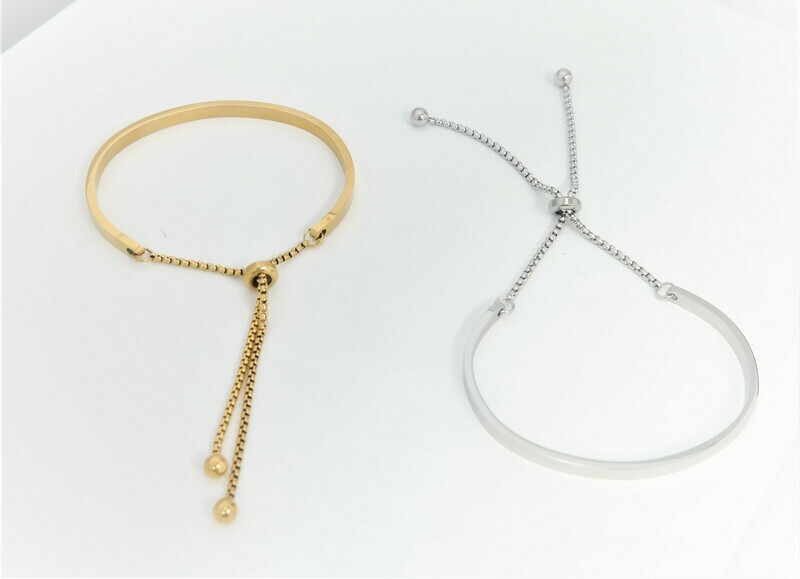 Trendy personalized bracelet covers 2/3 of the wrist available in gold and silver finish