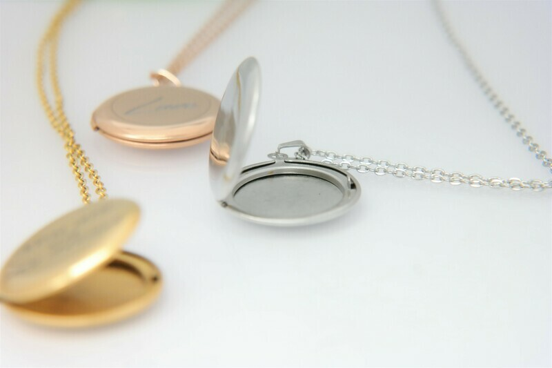 Beautiful stainless steel personalized locket with picture frame inside