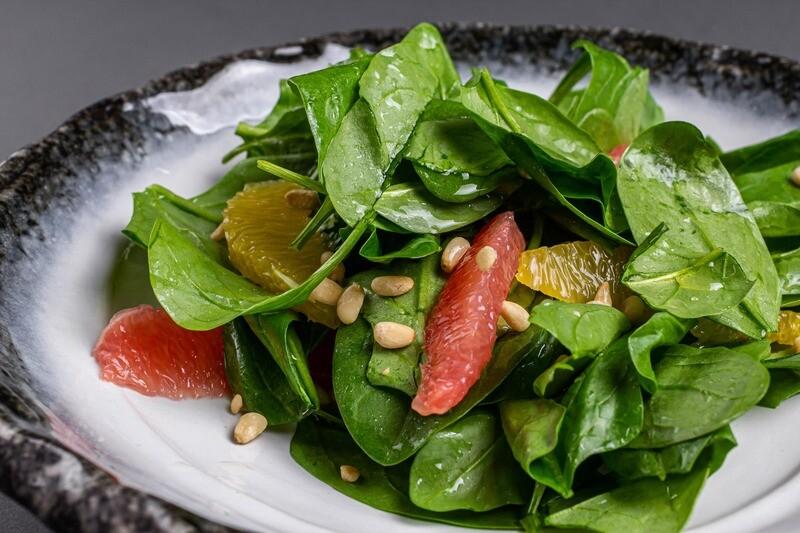 Салат цитрусовый со шпинатом