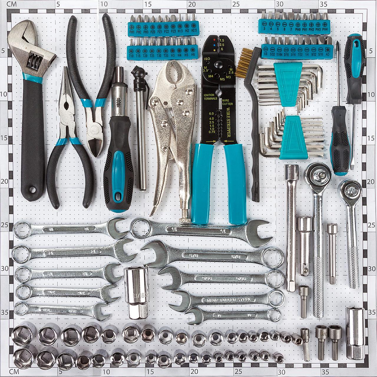 Set de herramientas BORT BTK-123 (123 piezas)