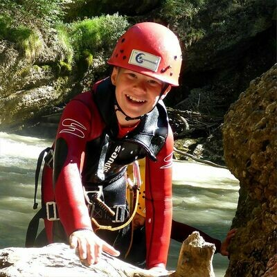 Voucher for family canyoning.