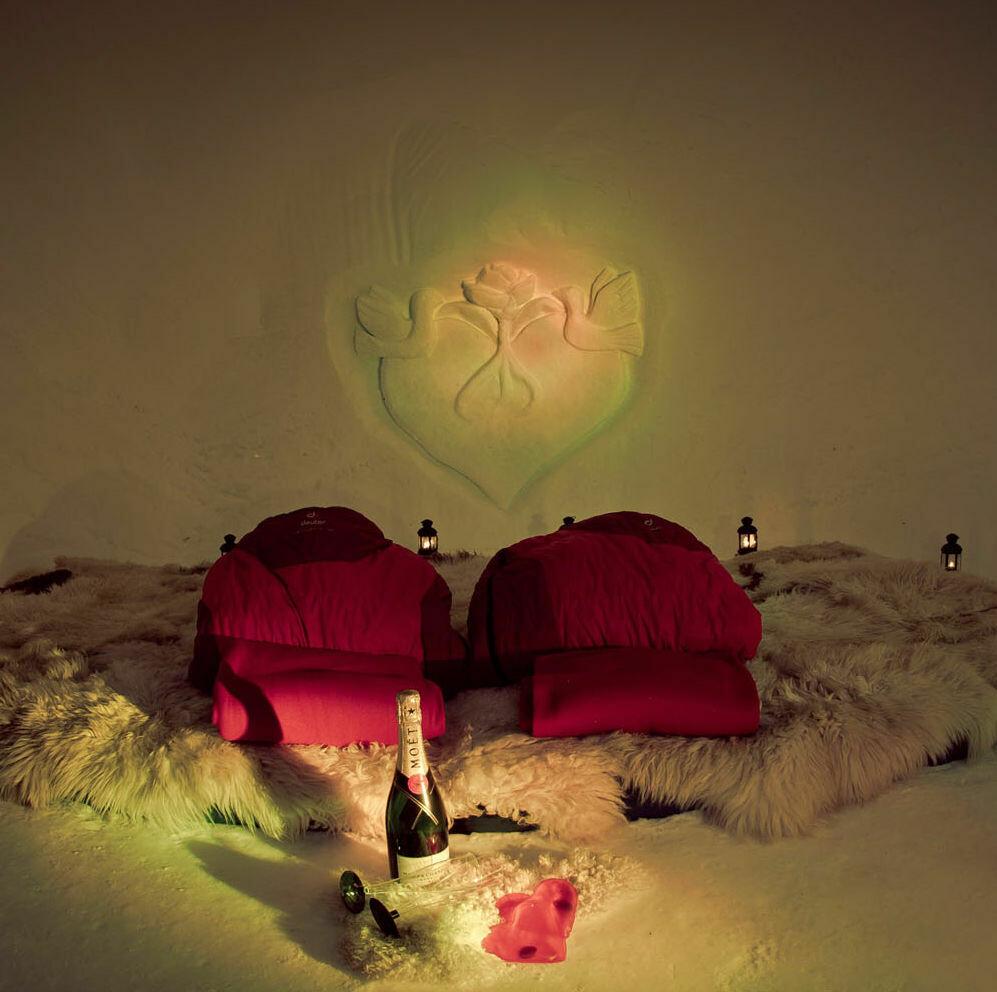 Gutschein Iglu-Übernachtung im Romantik-Iglu für zwei Personen