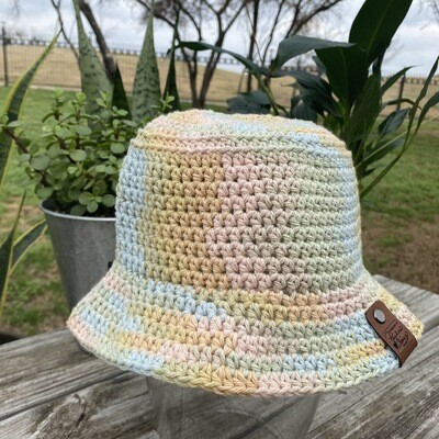 Crochet Bucket Hat - Cotton Candy