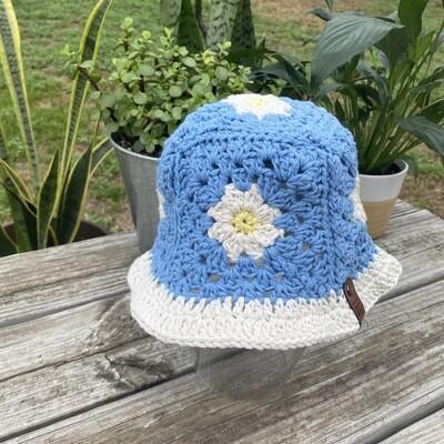 Crochet Bucket Hat-Blue Daisy