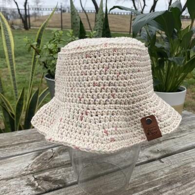 Crochet Bucket Hat - Pink Speckled