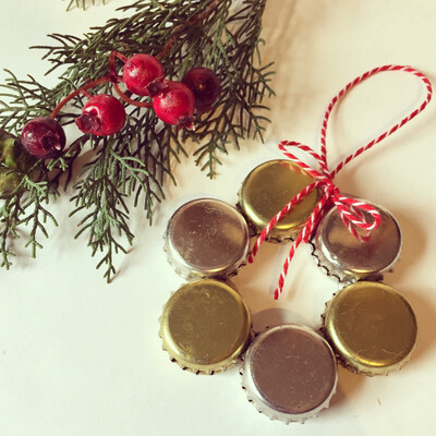 Bottle Cap Christmas Tree Decoration - Gold and Silver Wreath