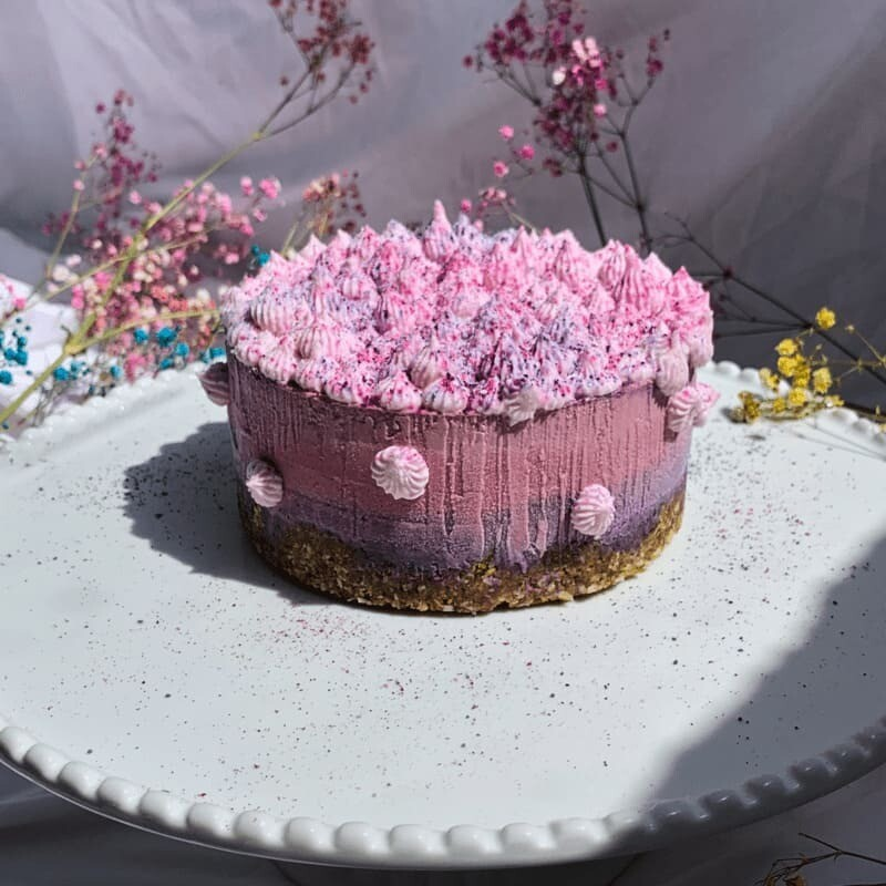 Crazy superfood berry cake