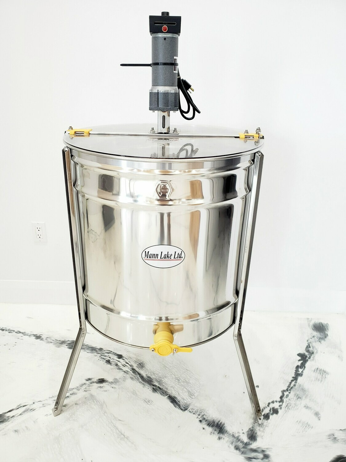 MannLake 18/9 Frame Electric Extractor