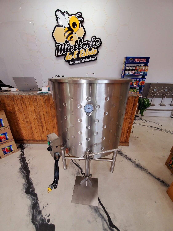 Heated Bottling Tank 660lbs