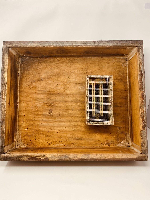 Chimney wooden feeder *USED*