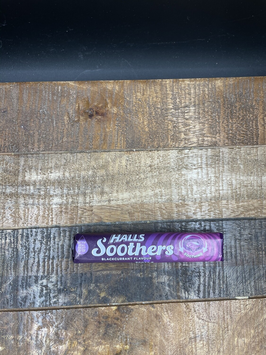 Halls Soothers Blackcurrant Flavour