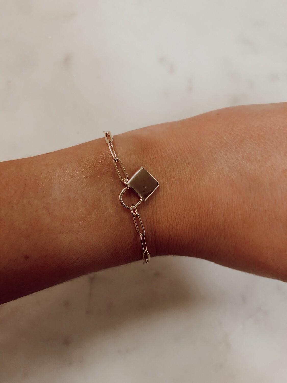 lock charm bracelet-gold