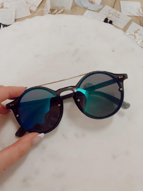 Sunglasses: Aviator