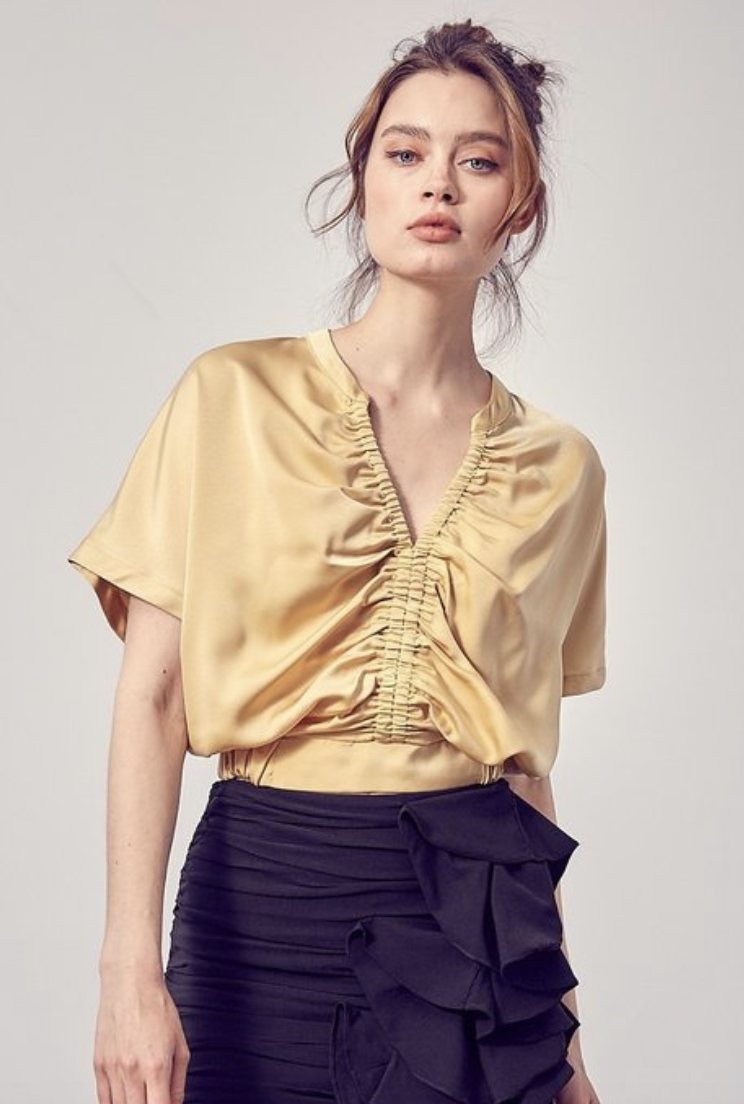DO+BE: front ruched top