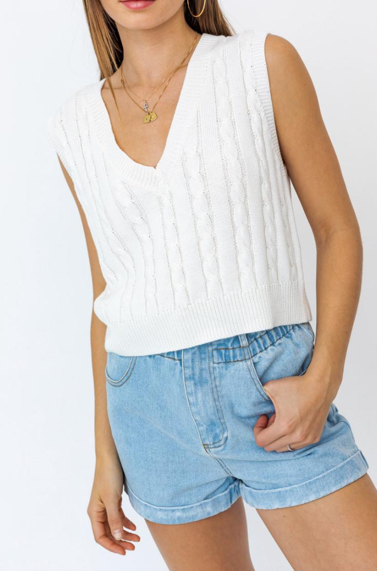 Lelis: V-Neck Sweater Vest