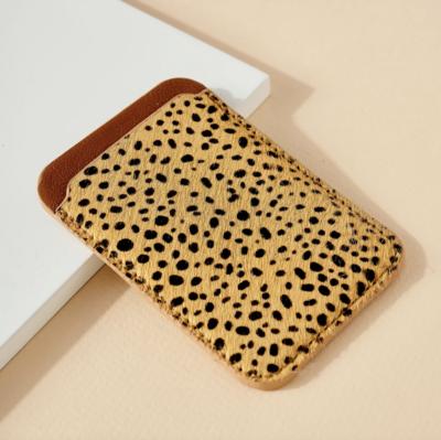 Avenue Zoe: Phone Pocket